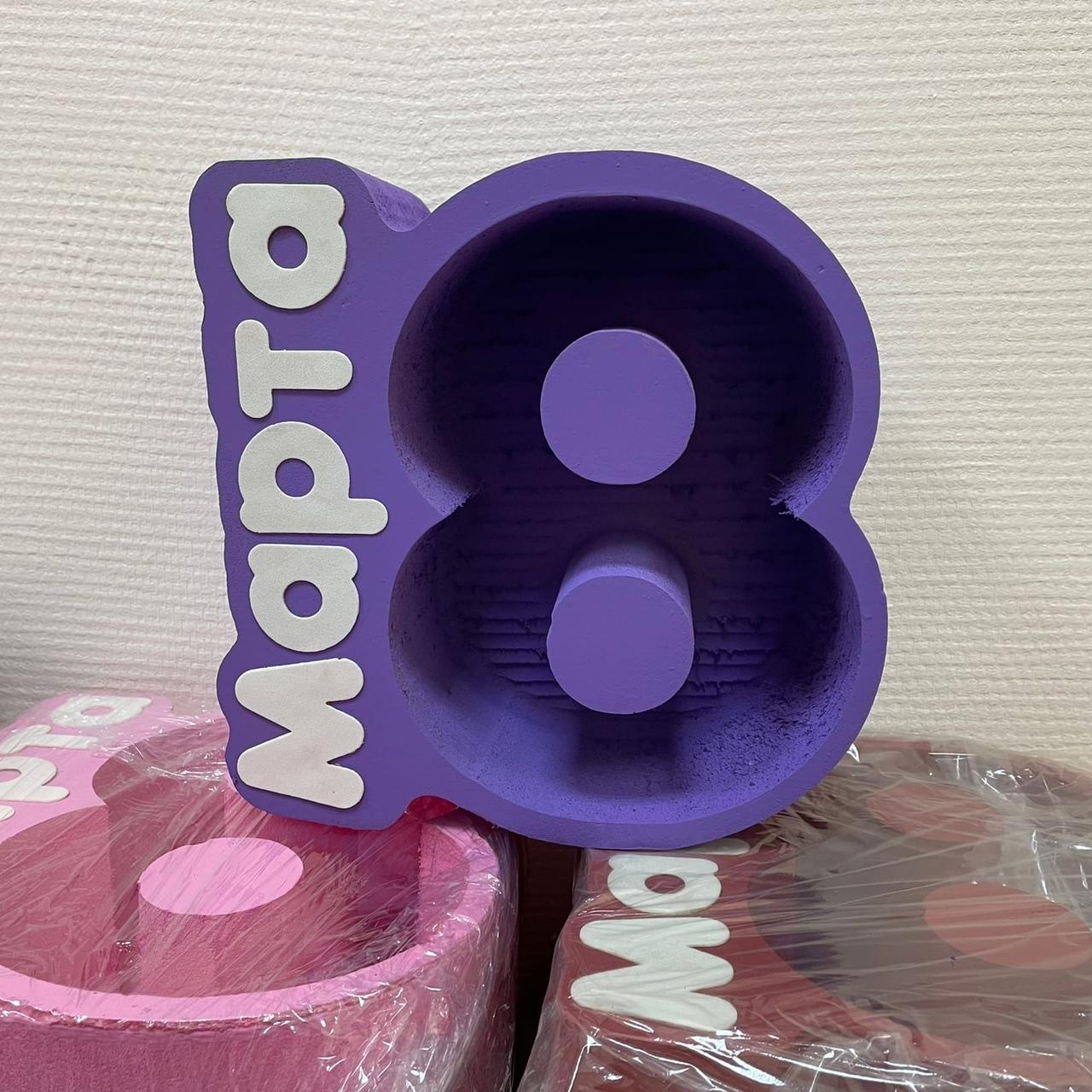 Пенобокс  - «8 марта 10 см Фиолетовый» ? Пенобокс  - «8 марта 10 см Фиолетовый» изготовлен из пенополиэстирола экструдированого. Все пенобоксы нашего производства являются цельными !!! Мы их не склеиваем ! Данная упаковка отлично подходит для составления цветочных букетов т.к. не требует дополнительной гидроизоляции. Пенобоксы нашего производства - могут быть с высотой стенки (борта) - 10 см (глубиной 8.5 см) и высотой стенки 5 см (глубиной 4 см). Цвет изделия на стоимость не влияет ! Все пенобоксы окрашиваются специальным полимерным составом, который не взаимодействует с водой. Пенобоксы нашего производства не окрашиваются от контакта с водой. Преимущества наших пенобоксов перед изделиями подобного типа, производимыми нашими конкурентами - 100% герметичность (не протекают) и 100% не взаимодействие с водой (не окрашиваются)! Фиолетовый 8 марта 10 см Красный, Люблю тебя, краасный, коробка для цветов, подарок на 8 марта, международный женский день, 10 см Розовый, Пенобоксы авиация, gtyj,jrcs, #пенобоксыбелгород, #пенобоксы, пенобоксы, пенобоксыбелгород, Белгород, Пенобоксысердце - Цена, Стоимость - 360 руб.(доставка по всей России)